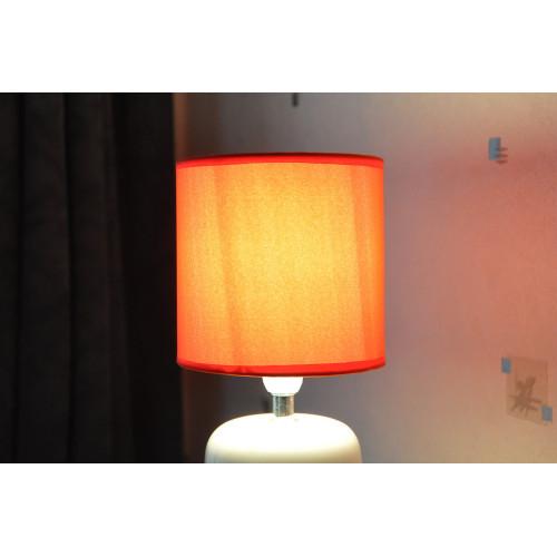 lampe cylindre blanche carreaux noir et rouge